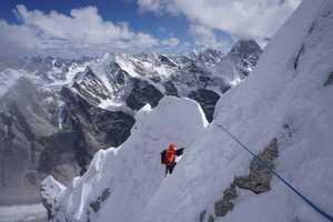 Японские альпинисты открывают новый маршрут на северо-восточной стороне горы Киштвар в Индийских Гималаях!