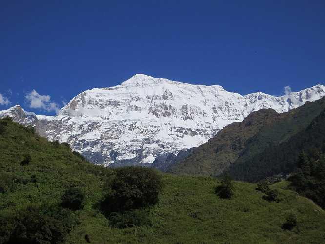 Южная стена горы Гурджа (Gurja Himal), октябрь 2013. Фото Damien Gildea