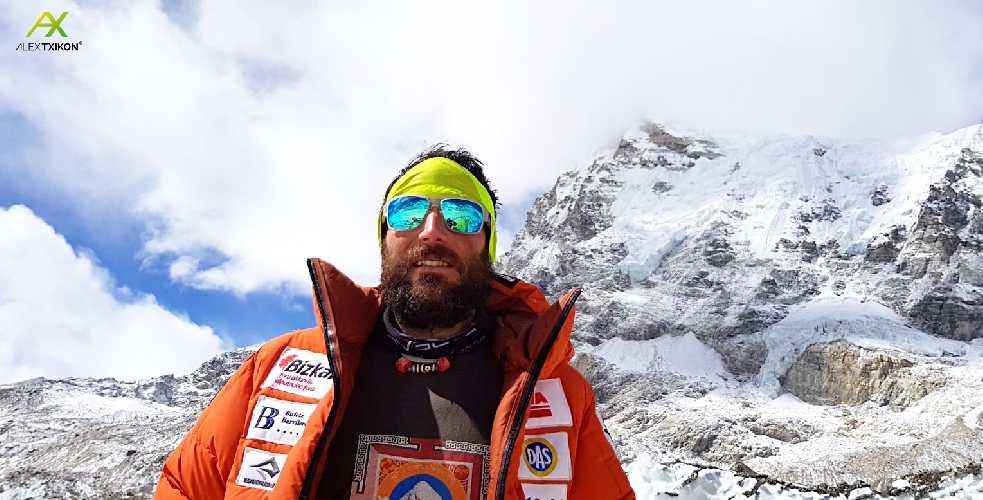 Алекс Тикон (Alex Txikon) во время зимней экспедиции на Эверест в сезоне 2018 года. Фото Alex Txikon