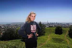Династия эверестовцев: внучка Эдмунда Хиллари планирует в 2020 году подняться на вершину Эвереста