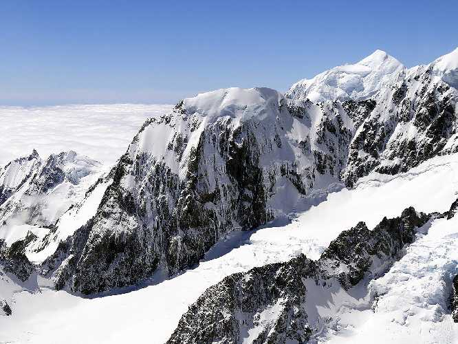 гора Хикс (Mount Hicks) высотой 3216 метров