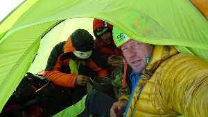 Romeo Popa (Ромео Попа), Жолт Торок (Zsolt Torok) и Теофил Влад (Teofil Vlad) открыли новый маршрут на юго-восточной стороне Пумори (Pumori, 7161 м).