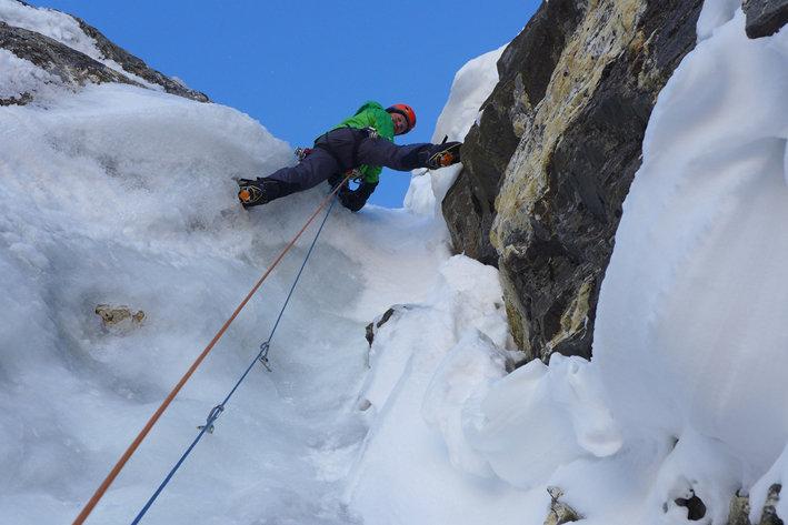 Мик Фаулер (Mick Fowler) в восхождении на  Киштвар Кайлаш (Kishtwar Kailash, 6444 м) в 2013 году. Фото Mick Fowler