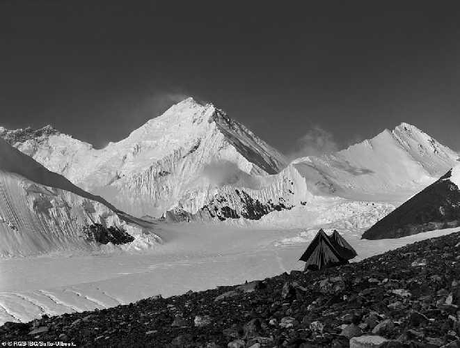 Лагерь экспедиции 1924 года на Эвересте, на отметке 6100 метров