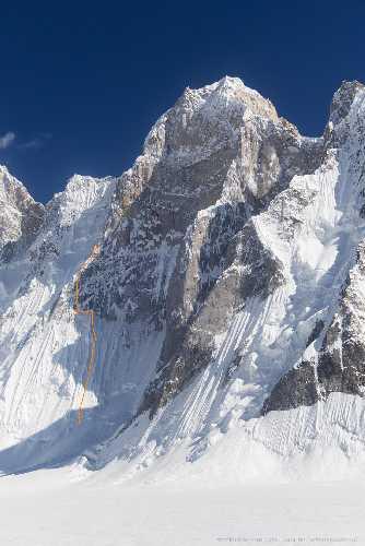 Попытка прохождения нового маршрута на пик Баинта Бракк II западная (Baintha Brakk W II), 6540 м. Фото Кирилл Белоцерковский