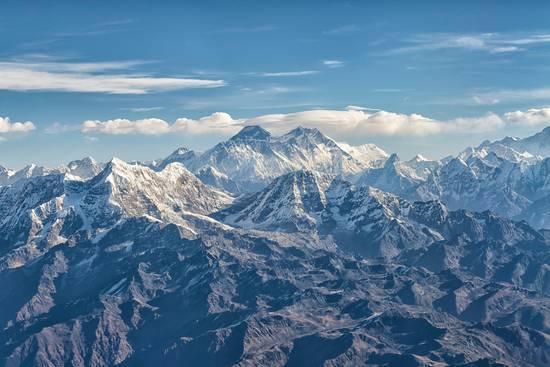 регион Солукхумбу, горный хребет Махалангур-Химал. Вид на Эверест