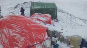 К2. Международная зимняя экспедиция: идет работа по установке базового лагеря