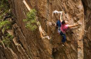 Точно гибкий леопард: гибкость в скалолазании с Келли Старретт