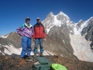 Ветераны-альпинисты Киева совершили восхождение на грузинскую вершину Безымянная высотой 3600 метров