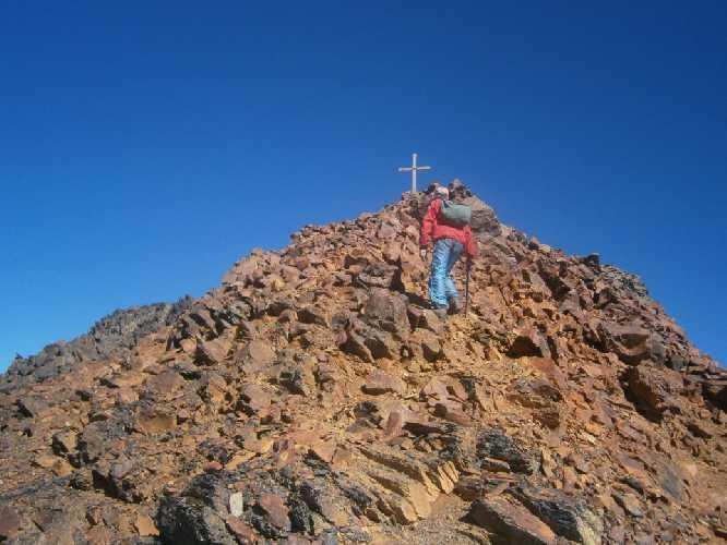 Восхождение на вершину Безымянная. Фото Маринец И.И. и Приходько С.М.