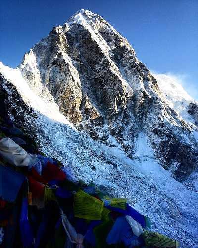 Пумори (Pumori, 7161 м). Фото Trekking Trail Nepal
