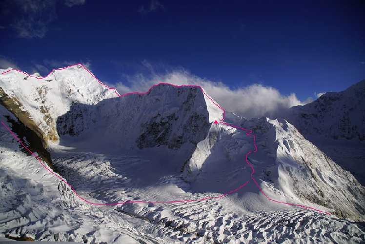 новый маршрут на вершину непальской горы Химжунг (Himjung). Фото Vitus Auer
