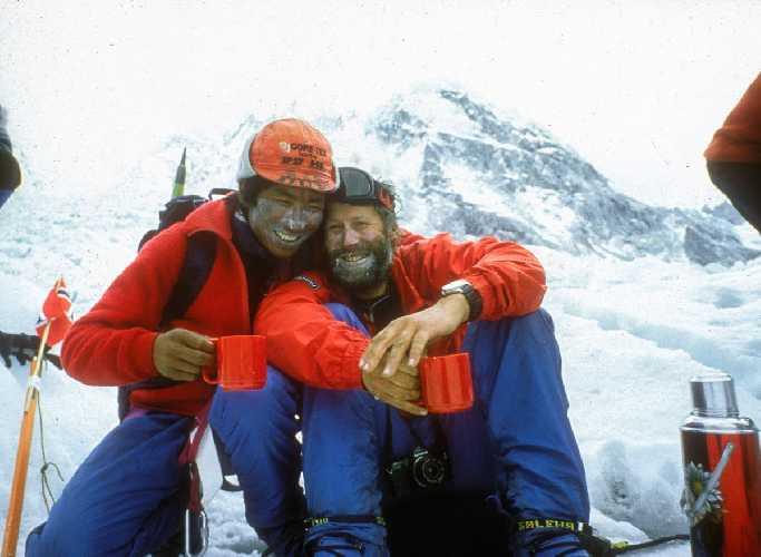 Пертемба Шерпа (Pertemba Sherpa) c Сэром Кристианом Джоном Бонингтоном (Sir Christian John Storey Bonington). Фото Chris Bonington