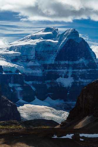 Северная стена канадской горы Норт Твин (North Twin). Фото The Bold And Cold