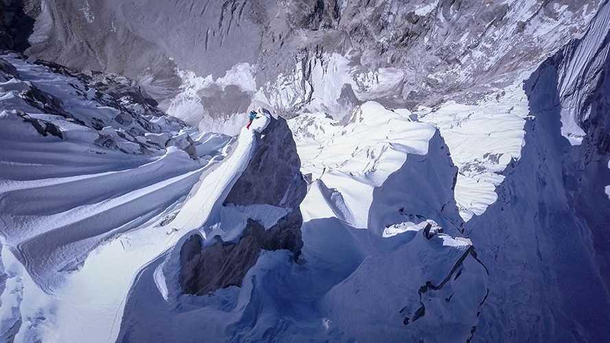 Давид Лама (David Lama) на последних метрах у вершины Лунаг Ри (Lunag Ri) . Фото David Lama