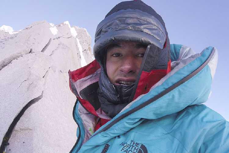 Давид Лама (David Lama) на вершине подножия Лунаг Ри (Lunag Ri) . Фото David Lama