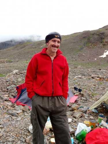 Олег в акклиматизационном лагере под Лайлой. Добрый и надёжный. Фото Сергей Дидора