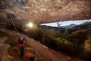 41-летний Икер Поу открывает сложнейший маршрут на скалах Маргалеф в Испании: