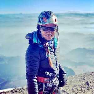 Янгзум Дава Шерпа - первая женщина из Непала (и первая в Азии), ставшая профессиональным горным гидом