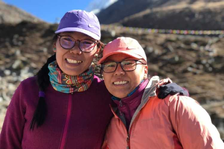 Фурдики Шерпа (Furdiki Sherpa) и Нима Дома Шерпа (Nima Doma Sherpa)