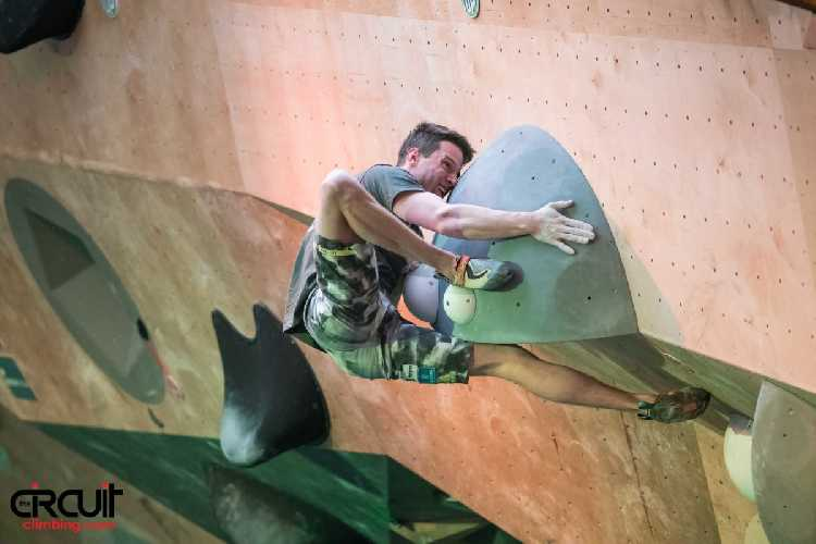 Джерней Крудер (Jernej Kruder),на соревнованиях Кубка Мира по боулдерингу. Фото Eddie Fowke / The Circuit Climbing