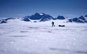 Британский путешественник Льюис Радд стал вторым в мире человеком, который прошел Южный Полюс без сторонней помощи