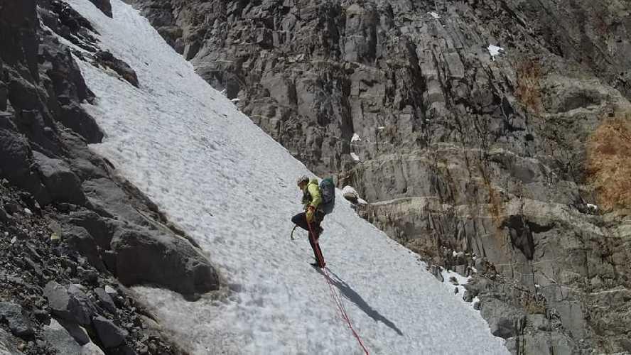 Денис Урубко и Мария Карделл (Maria Cardell). Восхождение на Мойон Рохо (Mojon Rojo, 2170 метров). Фото Денис Урубко