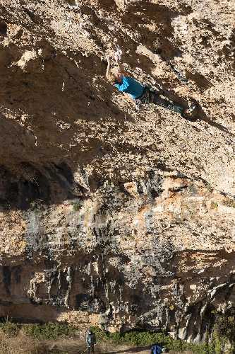 Якоб Шуберт (Jakob Schubert) на скалах. Фото Rainer Eder.