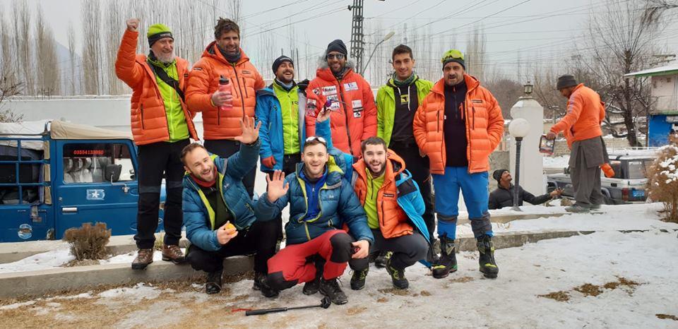 Команда Алекса Тикона перед приездом в Асколе