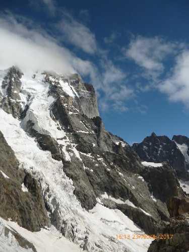 Западный бастион ю.Ушбы с северо - запада, со склонов Шхельды. Фото Сергей Дидора