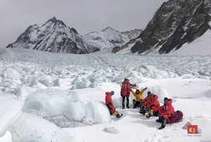 Зимние экспедиции на К2: массовый выход в передовой базовый лагерь