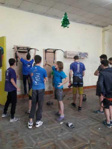 учебно-тренировочный сбор молодежной сборной команды Украины к международным соревнованиям по скалолазанию в дисциплине боулдеринг. Фото Даниэлла Попова