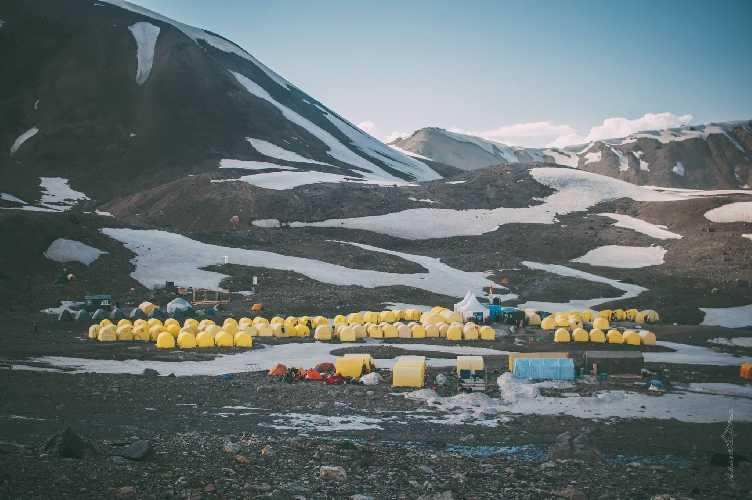 Первый высотный лагерь на пике Ленина. Фото Александр Павлов