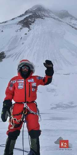 Алекс Тикон  (Alex Txikon) у горы К2. февраль 2019 года. Фото Alex Txikon
