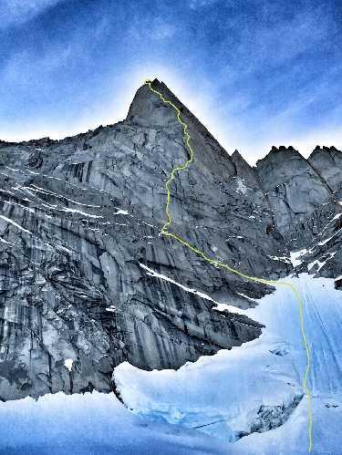 "маршрут ""Haizea"" на патагонскую вершину Aguja de la S (2335 м). Фото Iker Pou, Eneko Pou"