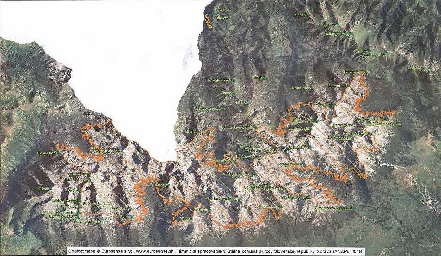 Карта районов  Татранского национального парка, разрешенных для альпинизма и туризма в периоды с 01/06 до 31/10 и с 15/12 по 15/04; в Тисовке (Красная Скалка / Czerwona Skałka) с 01/11 до 28/02 согласно проекту нового Постановления. Фото из Приложения к новому Постановлению