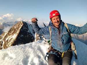 Ушба – мечта и жизнь альпиниста: Южный гребень и вершина южной Ушбы.