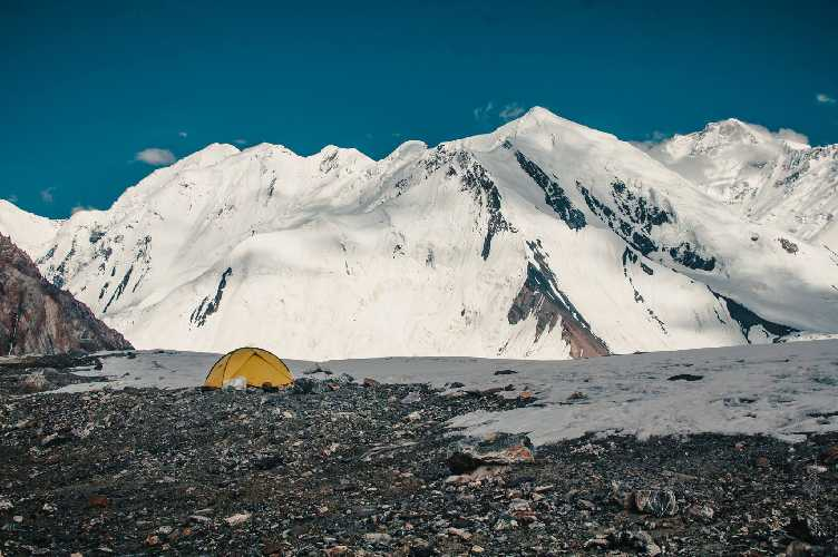 Лагерь 1 Хан-Тенгри. Фото Александр Павлов