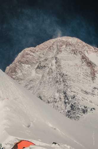 Вид на маршрут с третьего лагеря Хан-Тенгри. Фото Александр Павлов