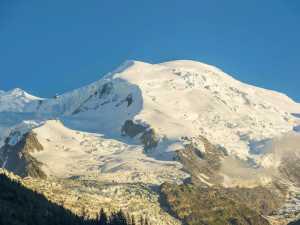 На Монблане погиб польский альпинист. В восхождении также участвовал Денис Урубко