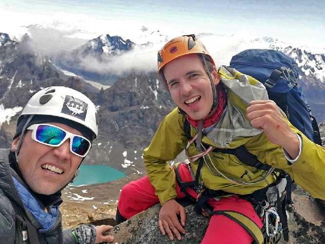 Даниэль Понс (Daniel Pons) и Штеффен Вельш (Steffen Welsch). Фото Patagonia Vertical