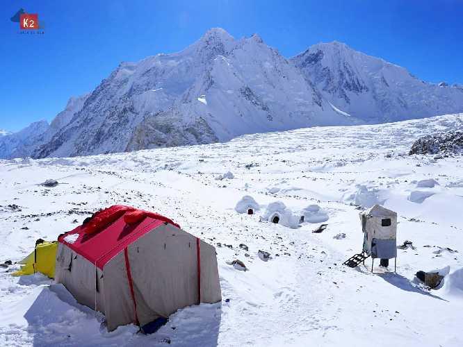 Базовый лагерь на восьмитысячнике К2. Фото Alex Txikon
