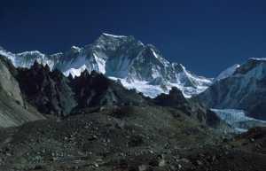 66-летний Оскар Кадьяк планирует открыть новый маршрут на вершину семитысячника Гьячунг-Канг в Гималаях