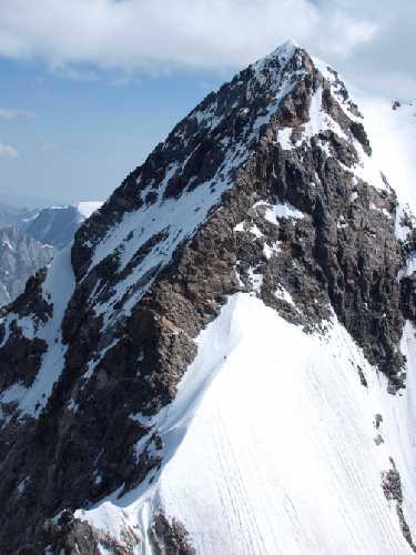 Перемычка и северная Ушба. Фото alpkr . dp . ua