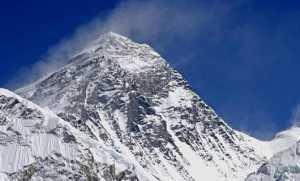 Высоту Эвереста измерят заново