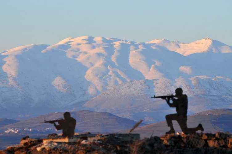 Солдаты на фоне высочайшей в Сирии горы Хермон (Mount Hermon) Фото Shay Levy