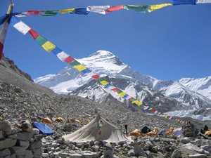 На восьмитысячнике Чо-Ойю погиб непальский шерпа