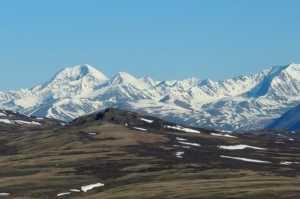 Семь туристов погибли в горах Алтая во время схода лавины