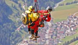 Спасенные в горах Австрии туристы угрожают спасателям судом