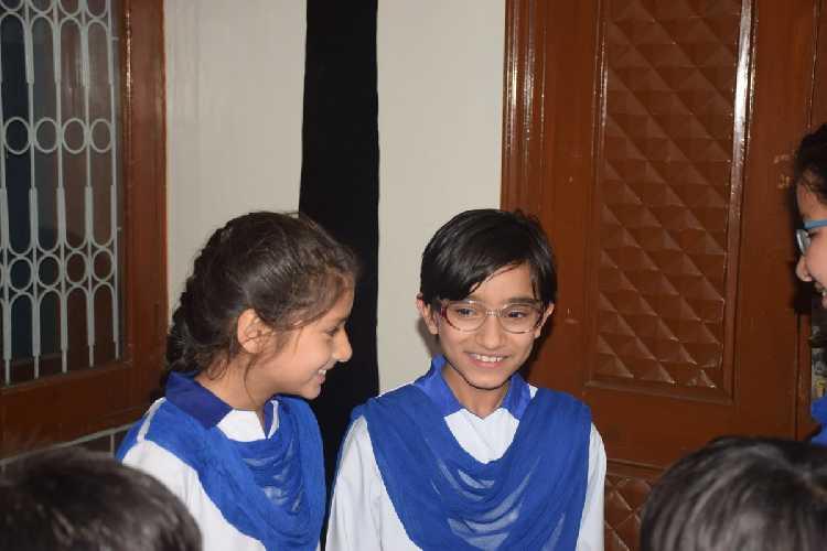 Селена Хаваджа (Selena Khawaja) - ученица 6-го класса средней школы города Абботабад